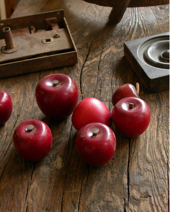 wooden-apples.jpg