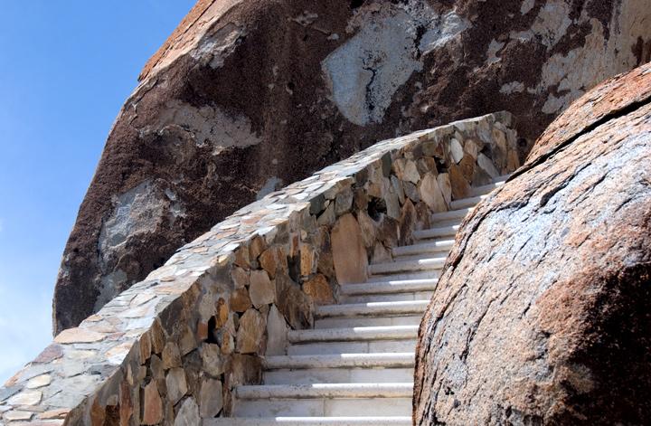 dsc_9395_staircase.jpg