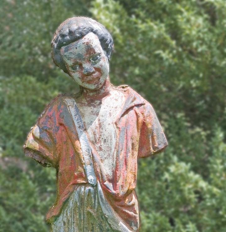 dsc_7243-statue-boy.jpg