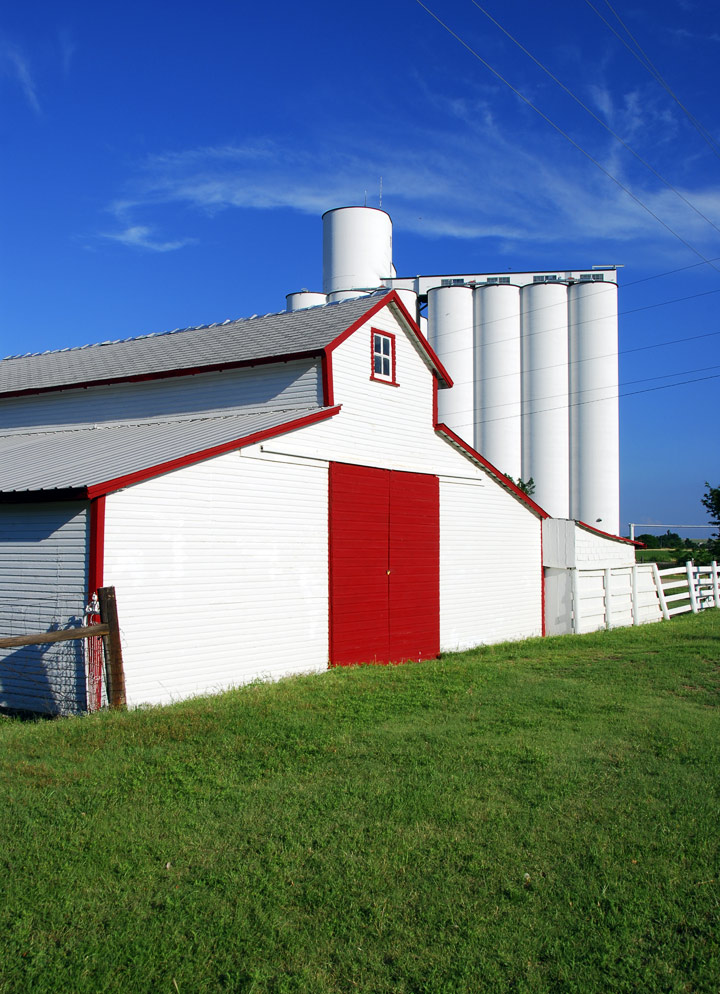 Here's a different take on red, white and blue.  Nice choice to do the barn doors AND the edges red. — RM —