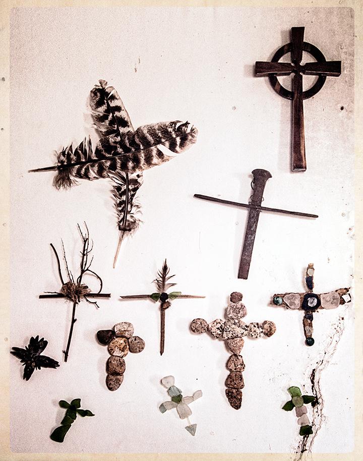 _DSC3680-uptop-crosses