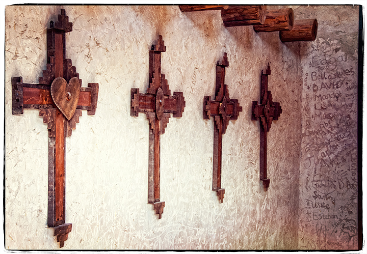 _DSC5555-chapel-crosses