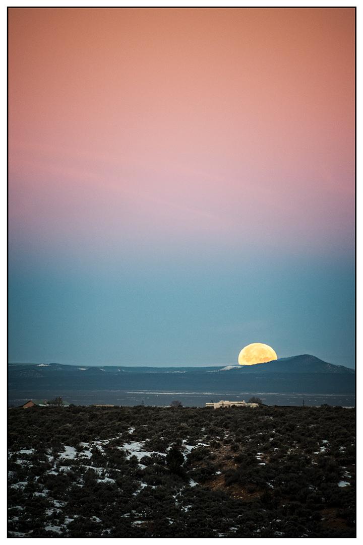 _DSC8358-setting-moon-on-2013