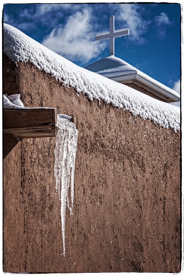 _DSC8038-asis-icicles-and-cross