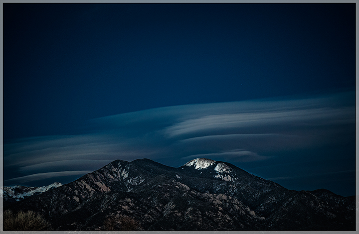 _DSC8933-taos-mtn-winter-night
