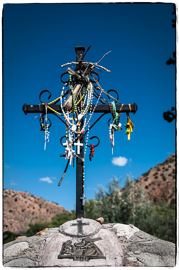 _DSC5619-rosaries-at-chimayo