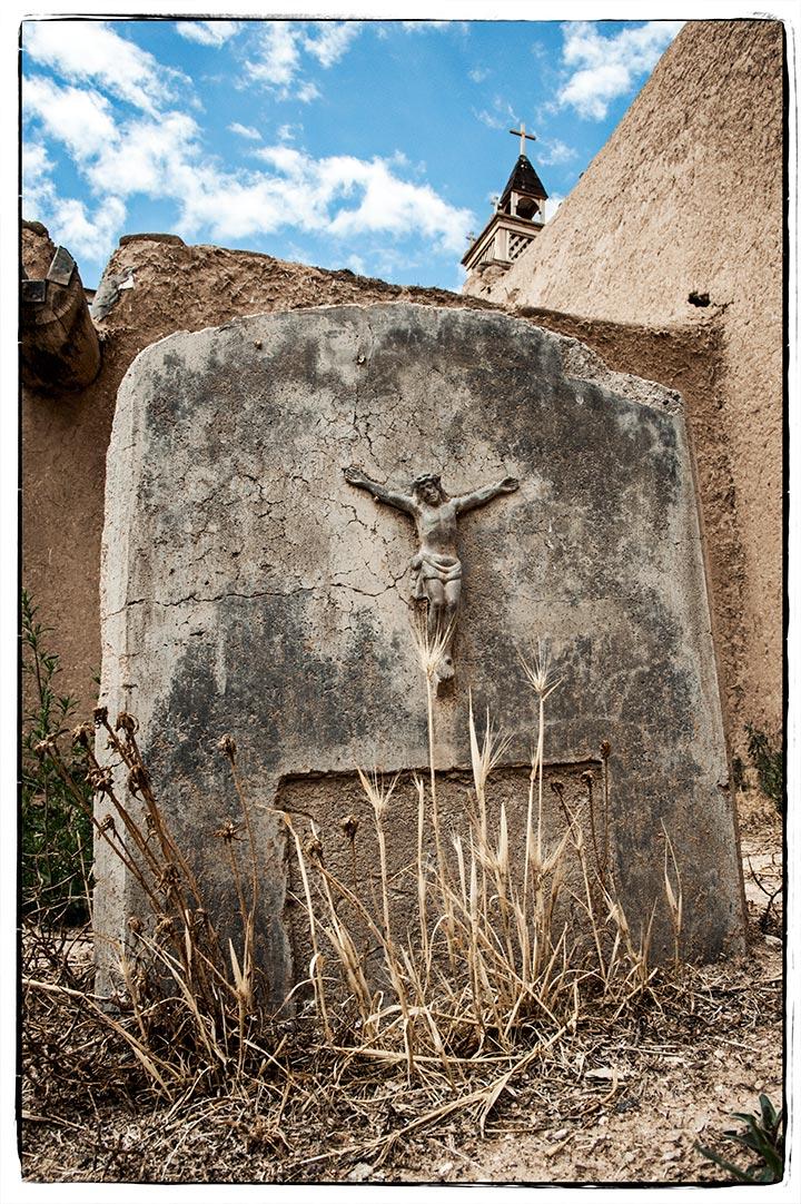 _DSC2975-christ-headstone-las-trampas