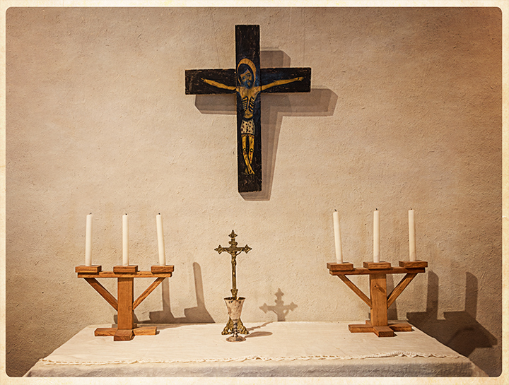 DSC_0102-candles-and-crosses-martinez-hacienda