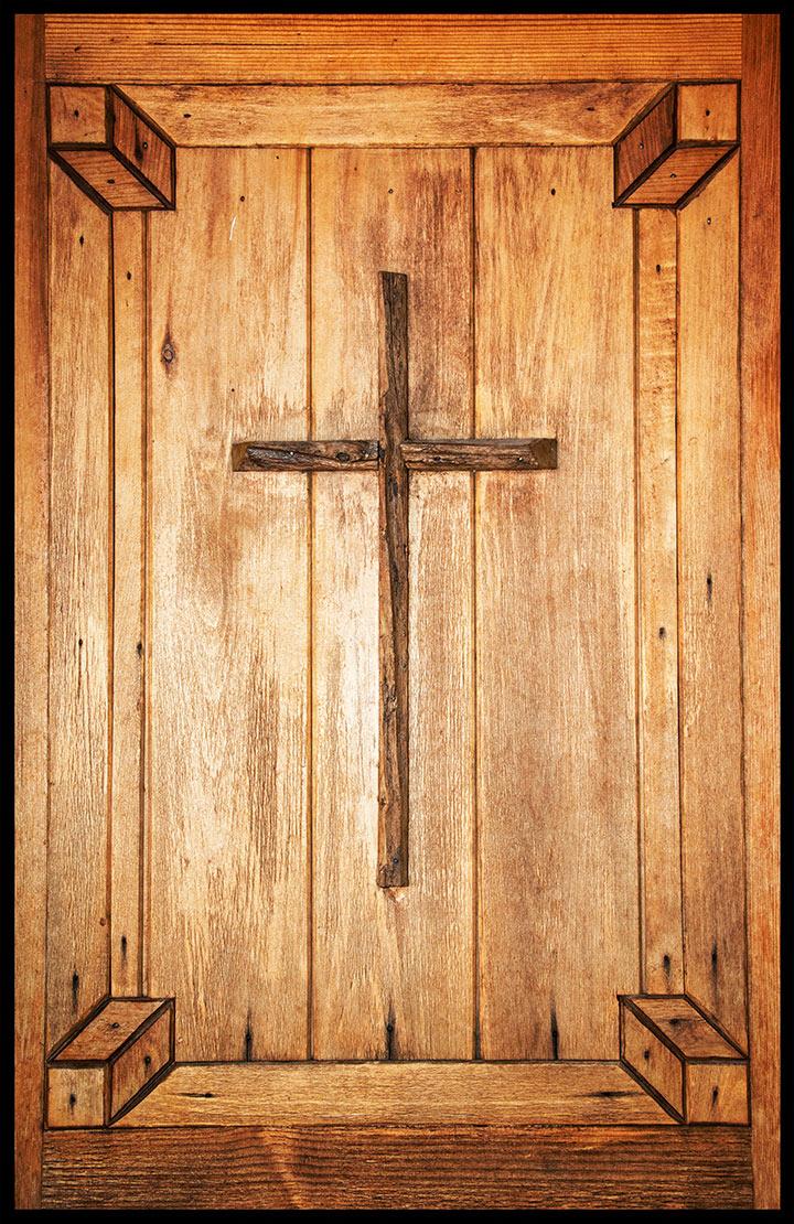 DSC_1464-church-door-with-cross