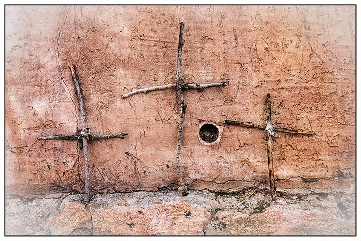 DSC_2029-three-stick-crosses