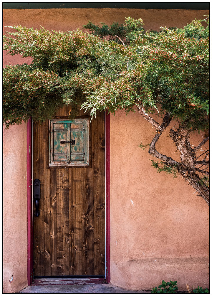 DSC_6340-sheltered-doorway-taos