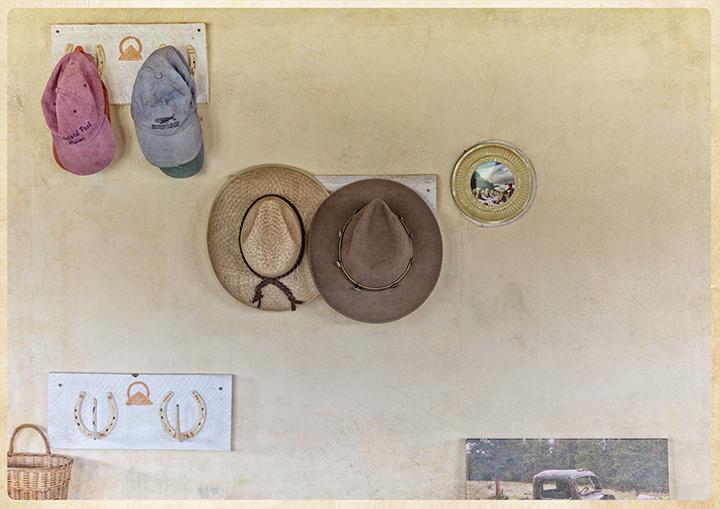 DSC_9825-hat-wall