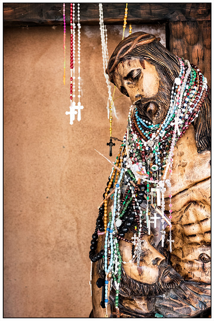 DSC_0574-jesus-with-necklaces-chimayo