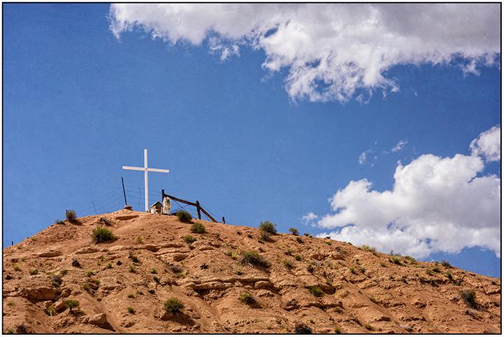 DSC_3588-cross-on-a-hilltiop