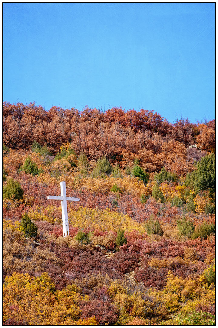 dsc_1814-hillside-cross-in-autumn-near-holman